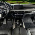 Perché sono utili i tappetini in gomma in un'auto